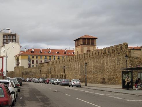 Murallas medievales de León - EntreVias Lodging