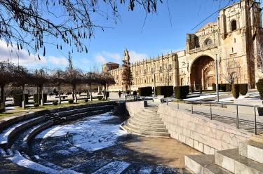 Plaza de San Marcos - Invierno - EntreVias Lodging