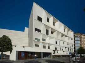 Auditorio Ciudad de León - EntreVias Lodging